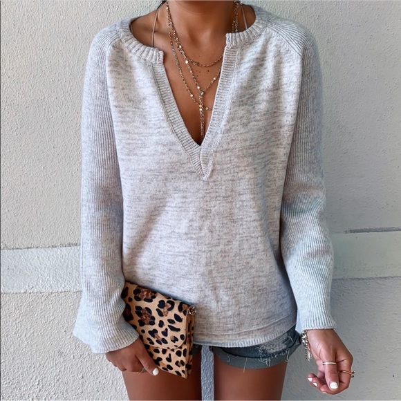 Sweaters - Grey v neck knit sweater with bell sleeves